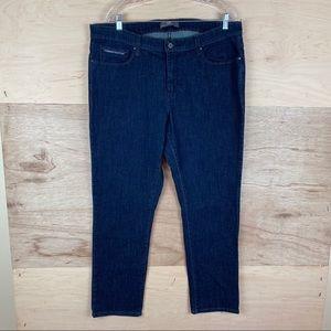 Levi's Perfectly Shaping 512 Skinny Jeans